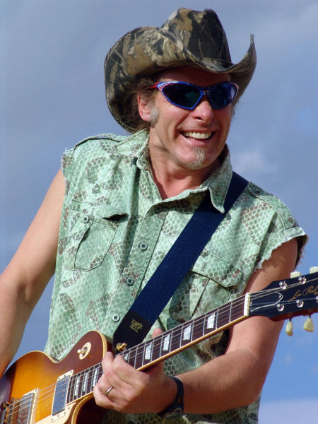 http://steynian.files.wordpress.com/2008/11/450px-ted_nugent_in_concert.jpg