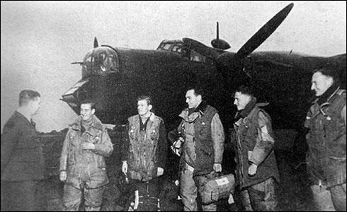 old_pic_men_plane1