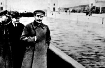 the_commissar_vanishes_21