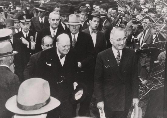 churchill_with_truman_19461