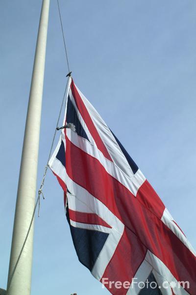 11_08_55---Union-Jack-at-half-mast_web