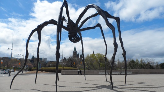 Spider_by_the_National_Gallery_of_Canada,_Ottawa