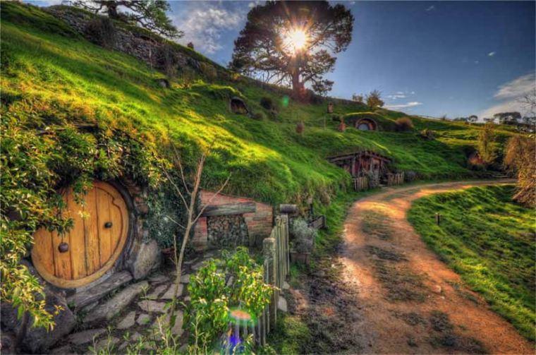 Walking Through The Shire 850 n 72